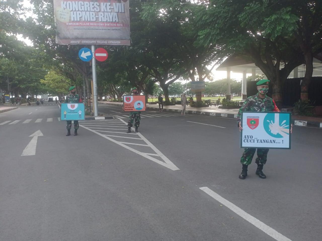 Operasi Penegakan Disiplin Protokol Kesehatan atau PDPK Kodim 1410/Bantaeng di Kawasan Pantai Seruni Bantaeng, Minggu, 31 Januari 2021. (Dok. Meleknews.ID)