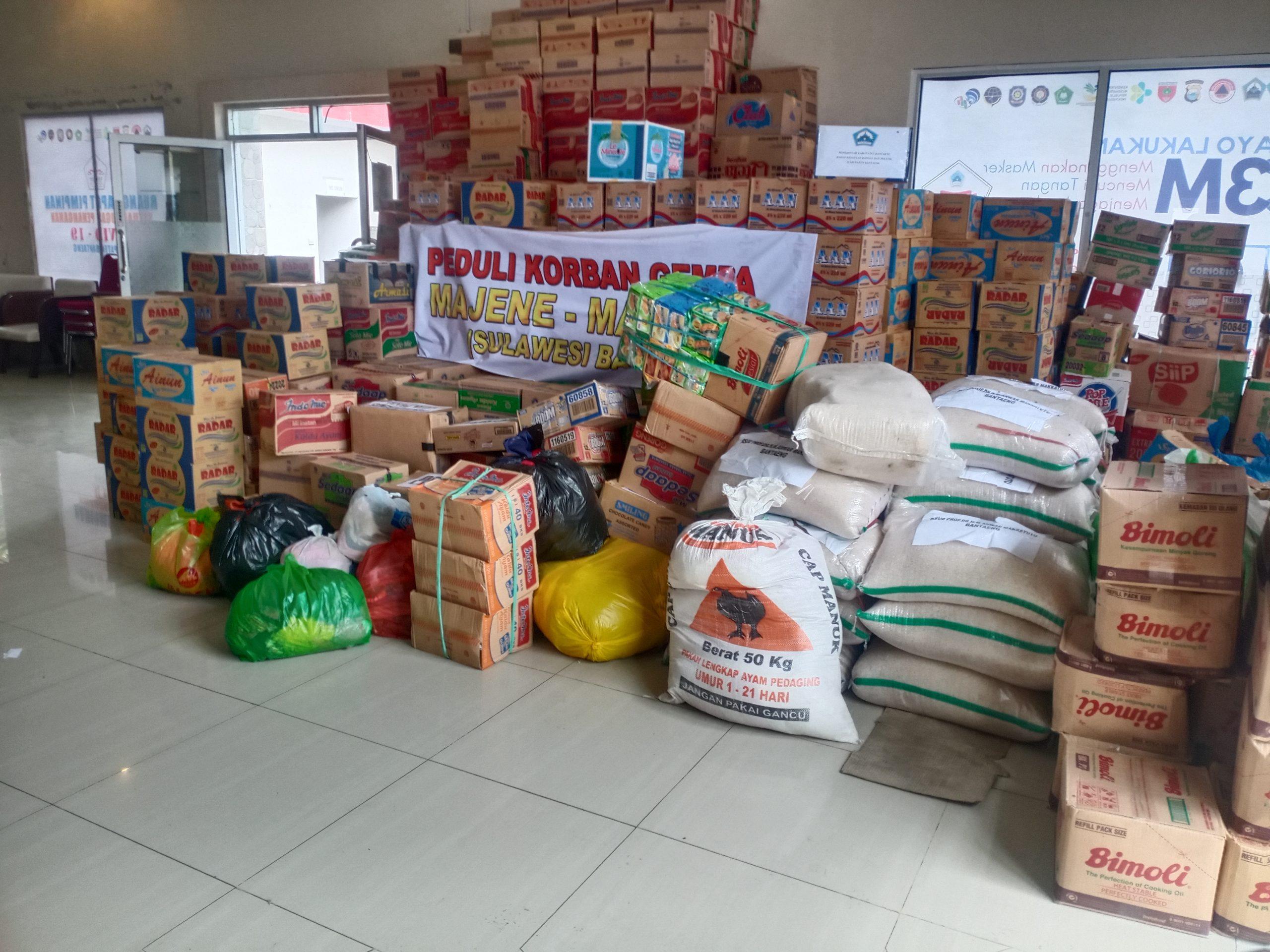 Paket bantuan yang akan dikirim kke korban terdampak gempa di mamuju