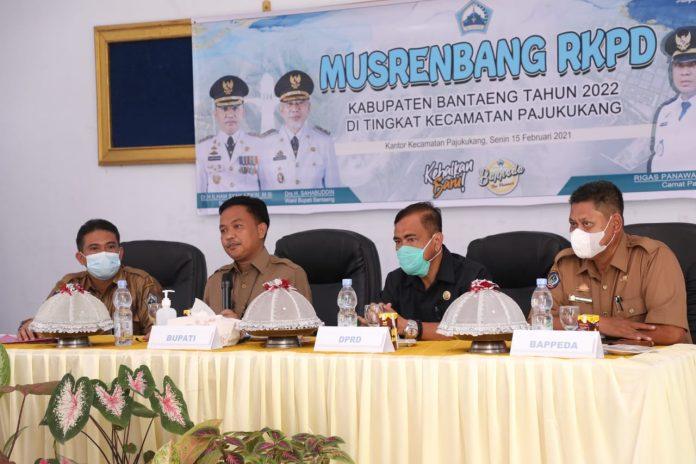 Bupati Hadiri Musrenbang RKPD di Kantor Camat Pa'jukukang, Senin (15/2/2021)