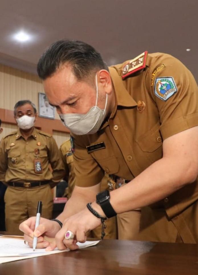 dr. Andi Ihsan, Kepala Dinas Kesehatan Bantaeng selaku Juru Bicara Tim Satgas Covid-19
