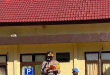 Kapolres Bantaeng, AKBP Rachmat Sumekar, membacakan amanat tertulis Kapolda Sulsel dalam apel gelar pasukan di Mapolres Bantaeng, Senin (12/4/2021). (Dok. Humas Polres Bantaeng)