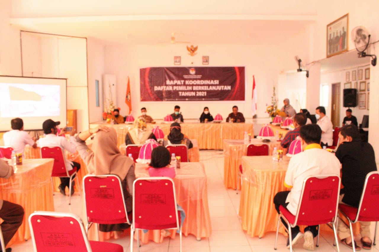 Suasana jalannya Rapat Koordinasi Pemutakhiran Jumlah Pemilih di AULA KPU Kabupaten Bantaeng, Rabu (30/6/2021).